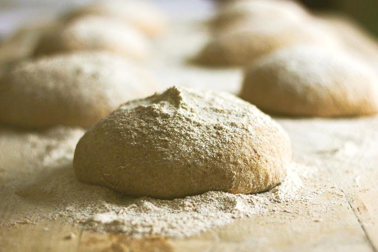 COMO SUBSTITUIR O GLÚTEN – Farinhas, Usos, e Propriedades